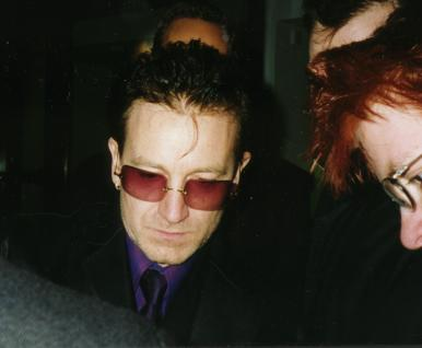 bono meet some fans after the movie premiere